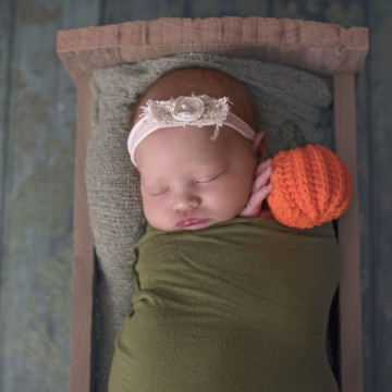 Baby photographer Brittany Wassmer (Bwassmer). Photo of 29 November