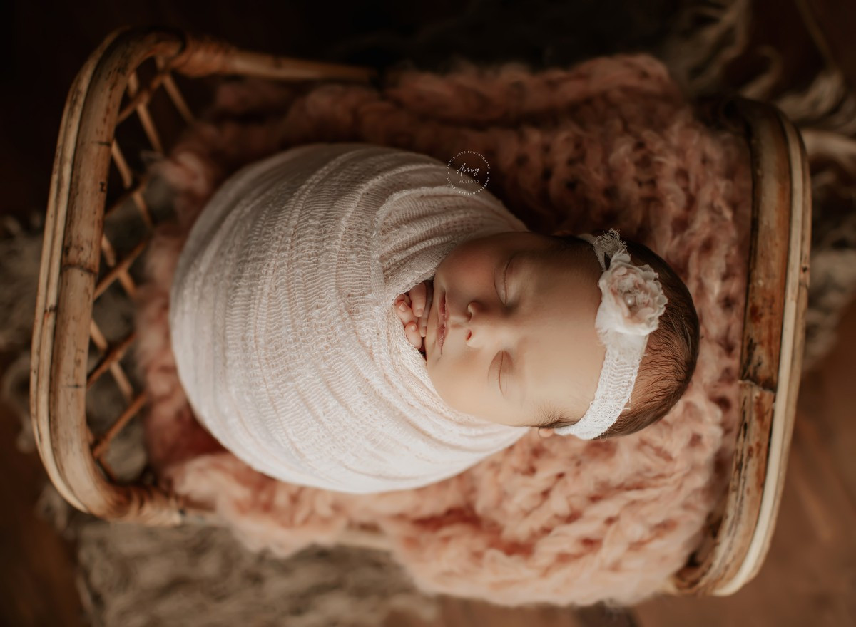 Newborn, maternity and baby photographer Amy Mulford (AmyMulford). Photo of 25 February